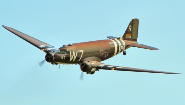 C47_Skytrain_-_Duxford_D-Day_Show_2014_(cropped)
